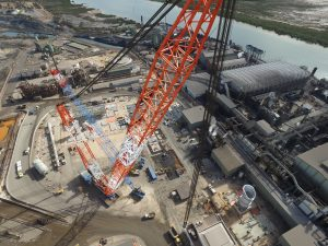 LAMPSON LTL2600 Crane - One of the world's largest cranes.